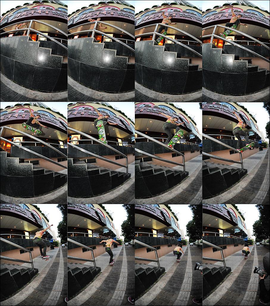 Спящие в метро фото в юбках 10 фотография